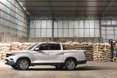 SsangYong_Motors_Deutschland_Musso_Grand_seitliche_Ansicht_300dpi